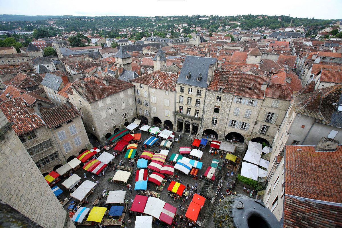 http://www.somnenbulle.fr/wp-content/uploads/2017/12/alentour-somnenbulle-Villefranche-de-Rouergue.jpg